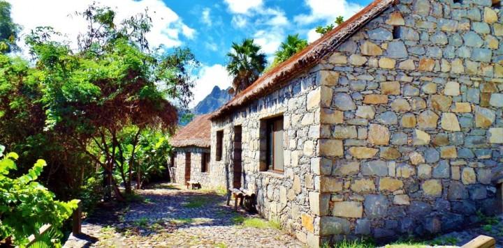 Pedracin Village